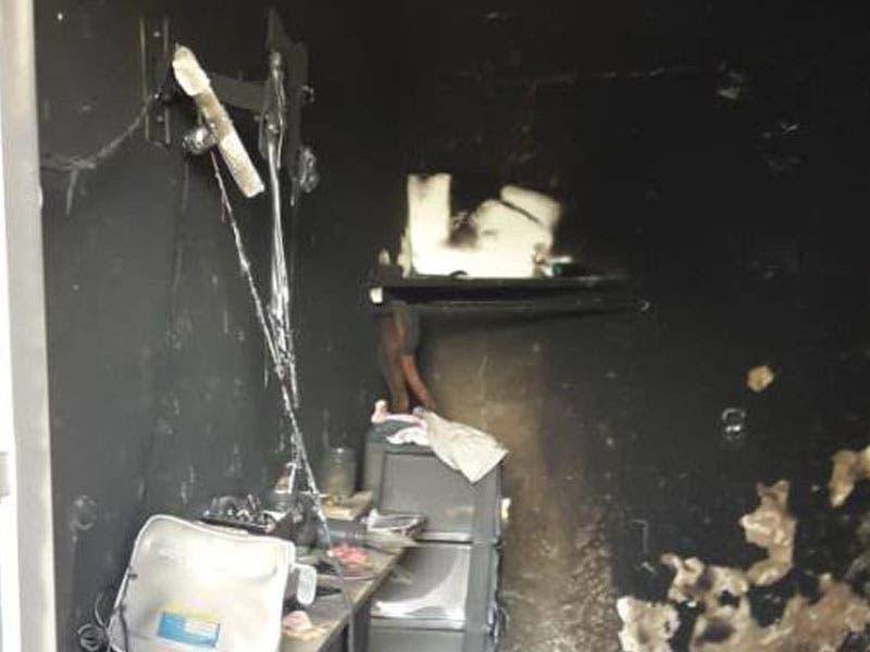 Incendio en un departamento por un cortocircuito; el siniestro ocurrido en una propiedad en la colonia Adolfo López Mateos dejó daños de consideración.