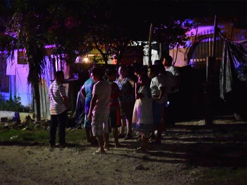 Asesinan a mujer a balazos; sicarios iban por su hijo. Los hechos se registraron anoche en una vivienda de la colonia Sac Be, en la Supermanzana 245.