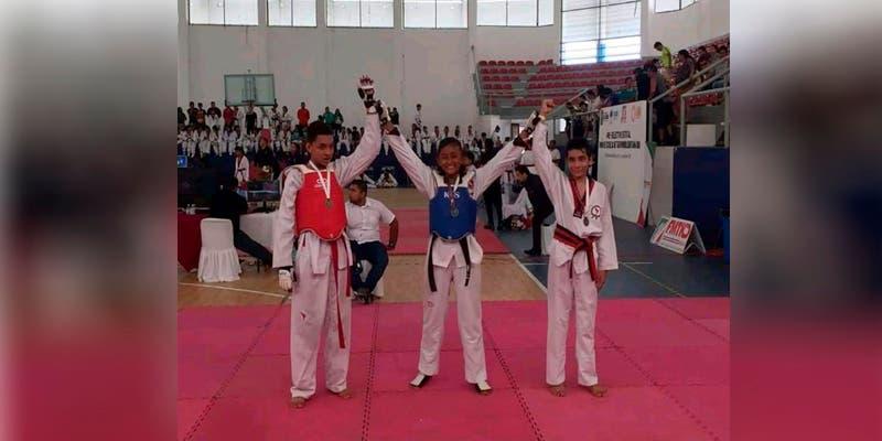 Atletas de Taekwondo de la Zona Maya cosechan 13 medallas