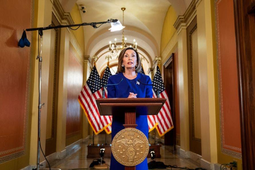 La presidente demócrata de la Cámara baja, Nancy Pelosi, anuncia que iniciarán una investigación formal de juicio político contra el presidente Donald Trump.