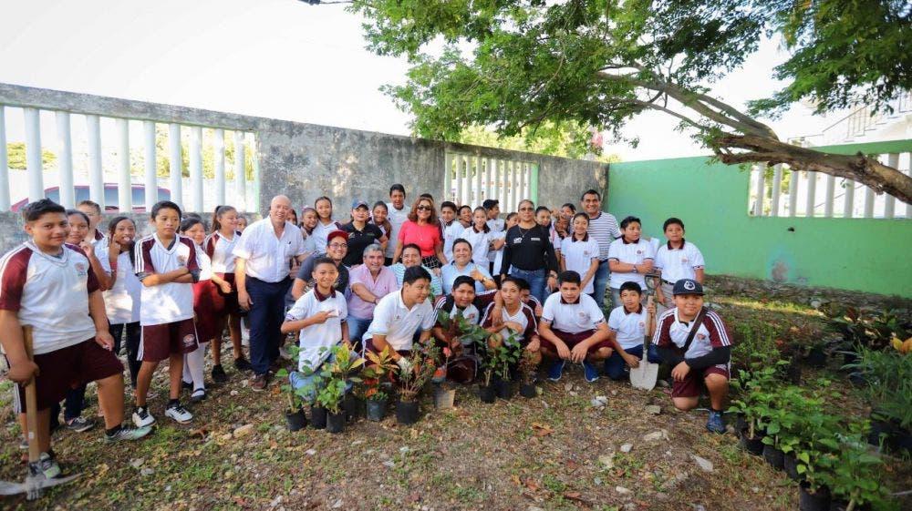 El programa permanente de plantación de árboles es una estrategia que contribuye a los esfuerzos globales para mitigar efectos del cambio climático, señala la alcaldesa