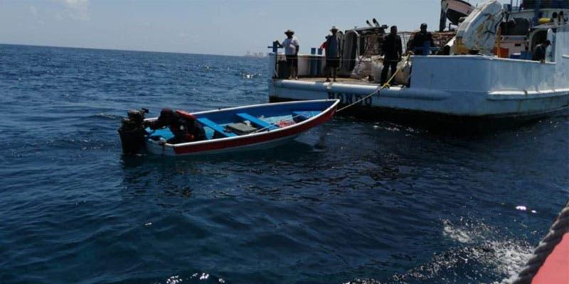 Rescata la Marina a tripulantes de una embarcación.