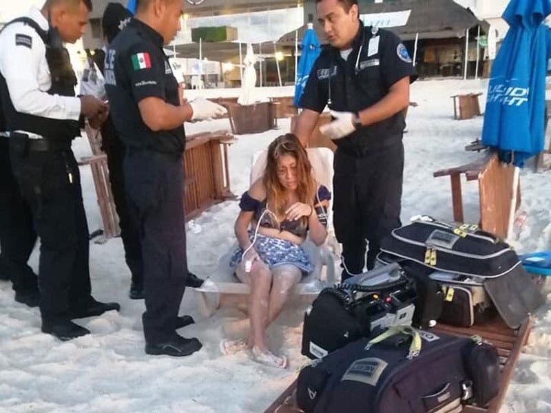 Frustran suicidio de mujer en playa Gaviota Azul; se encontraba bajo los influjos del alcohol cuando intentó acabar con su existencia ahogándose en el mar.