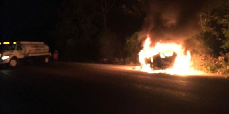 Sufre taxista graves quemaduras a bordo de su unidad.