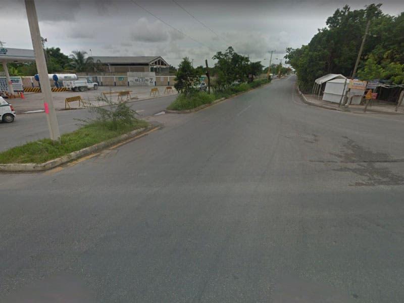 Taxista de Cancún asalta e intenta violar a su pasajera; el ruletero se desvió hacia la carretera de Gas Auto, en donde atacó a una joven.