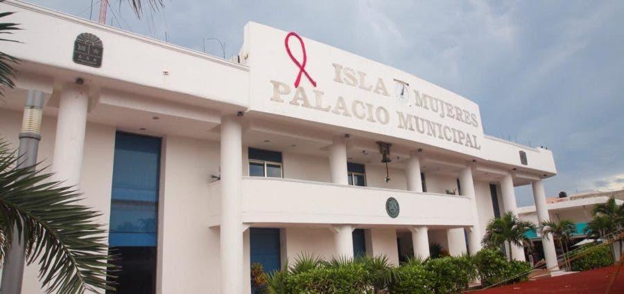 Estratosférico gasto en servicios personales en Isla Mujeres.