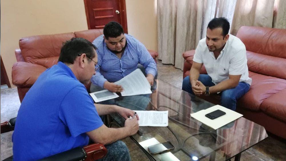 Firman acuerdo Ayuntamiento de Lázaro Cárdenas y Canaco