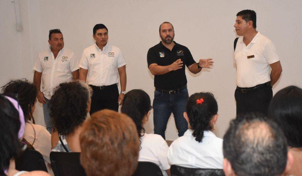Podrán ofertar sus artesanías en los grandes centros de hospedaje de Puerto Morelos, informa la Presidenta Municipal