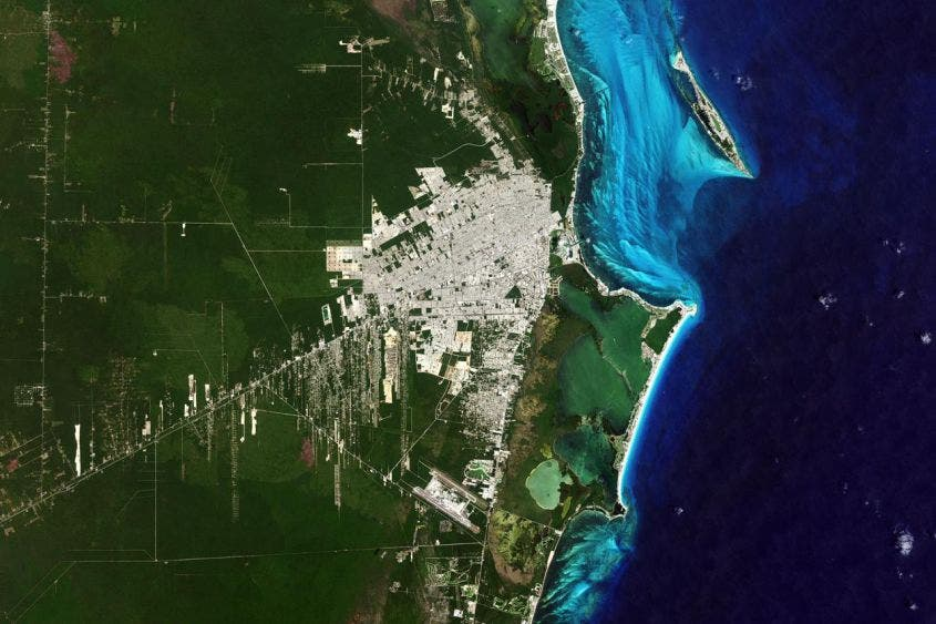 Imagen Satelital de la NASA de como lucia Cancún después de 50 años