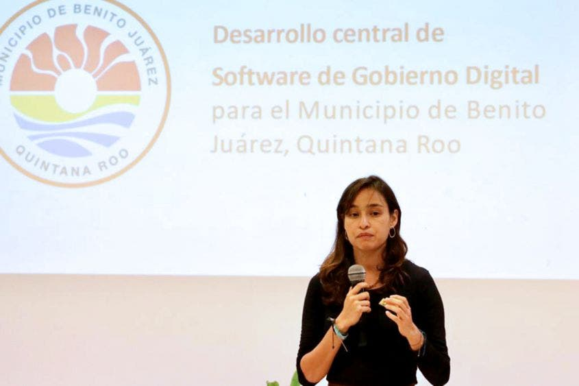 """En enero de 2019, Mara Lezama presentó a los ciudadanos la herramienta de mejora regulatoria """"Protesta Ciudadana"""", mecanismo digital para la gestión de quejas o inquietudes sobre algún trámite o servicio municipal."""
