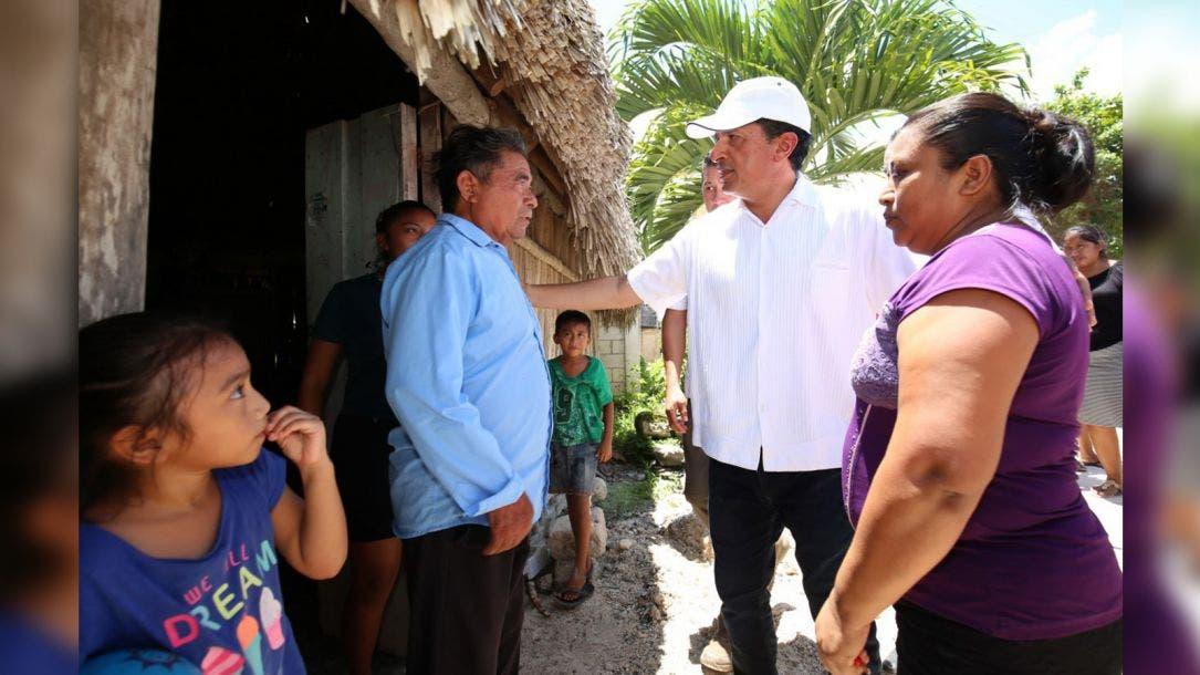Mejoramos servicios de salud para adultos mayores: Carlos Joaquín