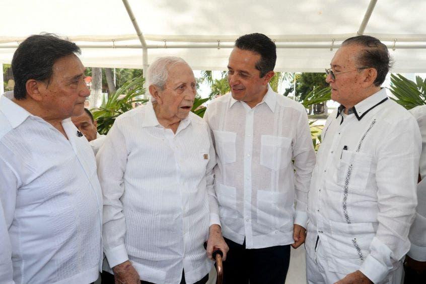El gobernador Carlos Joaquín presidió la ceremonia de conmemoración del XLV Aniversario de la Promulgación de la Constitución Política del Estado de Quintana Roo