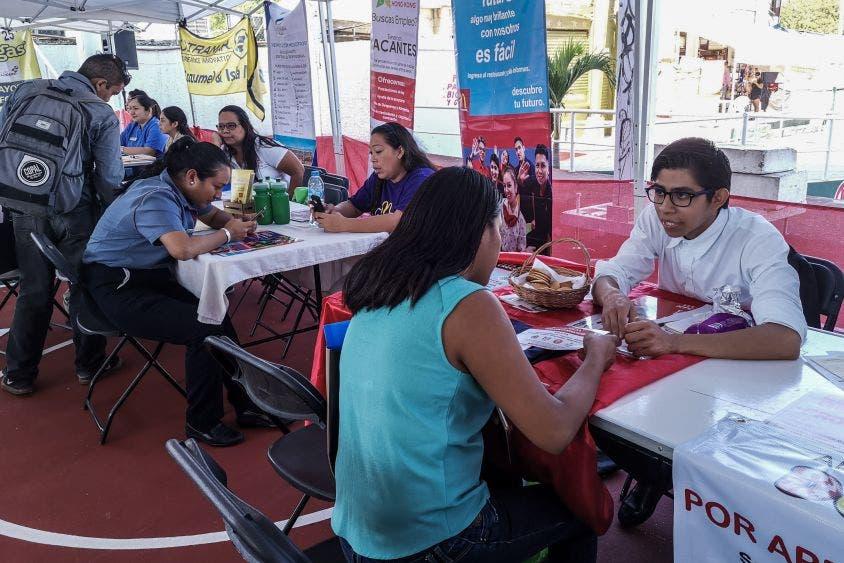 """""""Cancún es una ciudad de oportunidades con múltiples espacios en el sector productivo y económico, por lo que el gobierno municipal facilita la búsqueda de empleo al ofertar numerosas vacantes en empresas formales"""", Mara Lezama, Presidente Municipal de Benito Juárez."""