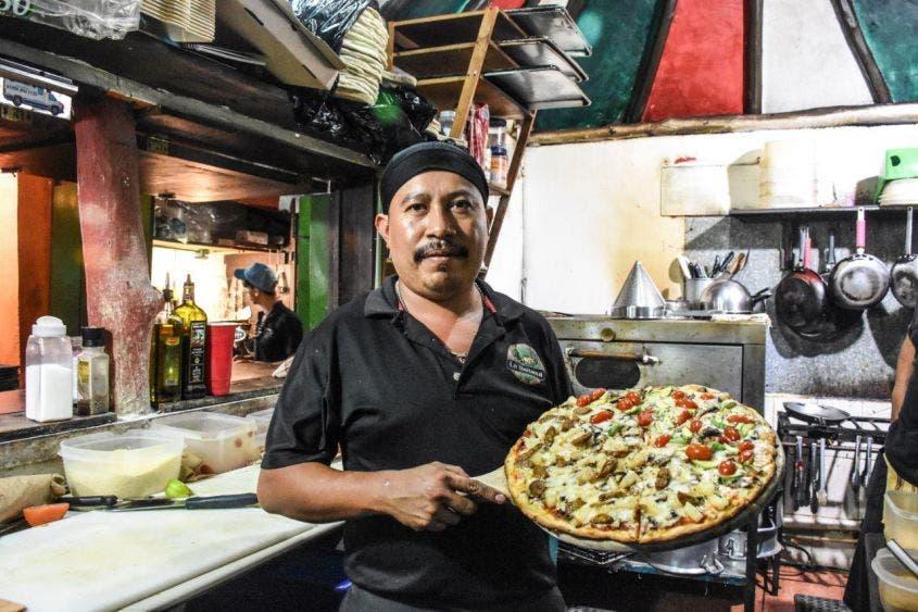 """""""Entre la gran oferta de atractivos, también nos hemos posicionado como destino gastronómico"""", destaca el secretario de Desarrollo Económico y Turismo, Héctor Tamayo"""