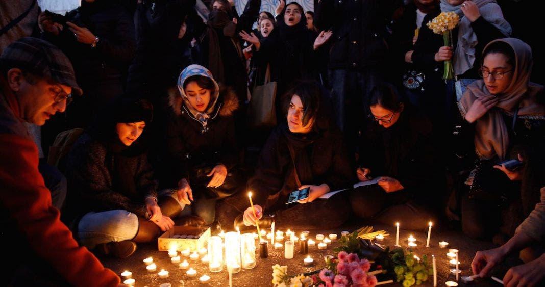 Protestan iraníes por derribo de avión, exigen castigo