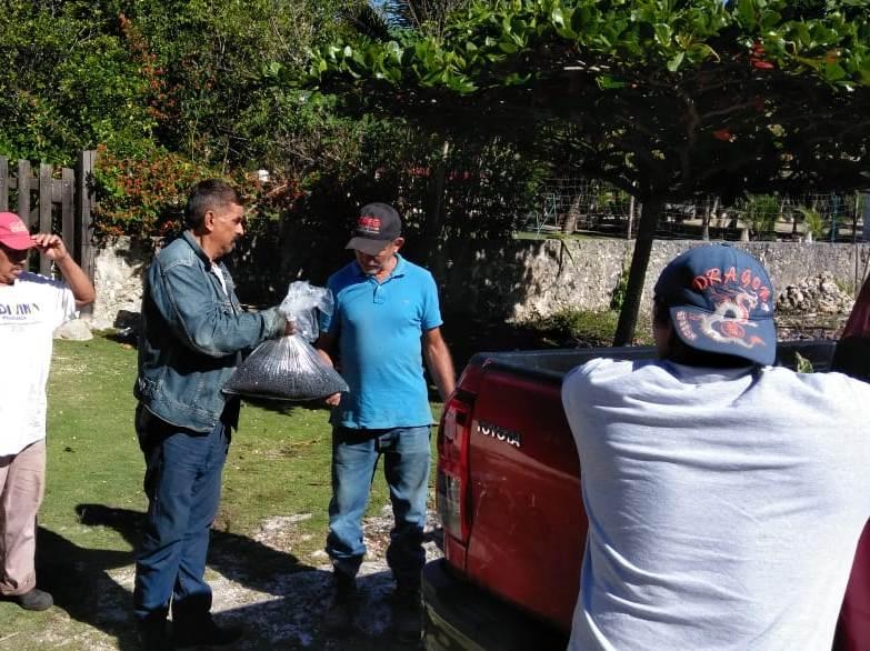 Entregan semillas de frijol Jamapa y esquejes de pitahaya a productores de la zona agrícola de Leona Vicario