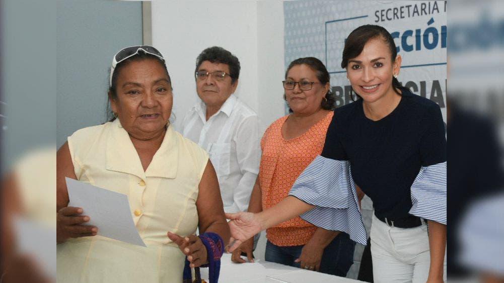 Fortalecerá Laura Fernández acciones de salud en 2020