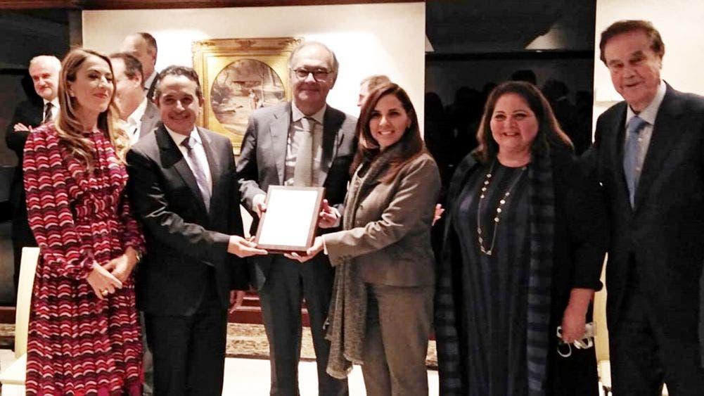 Promueve Mara ante hoteleros el 50 aniversario de Cancún en FITUR