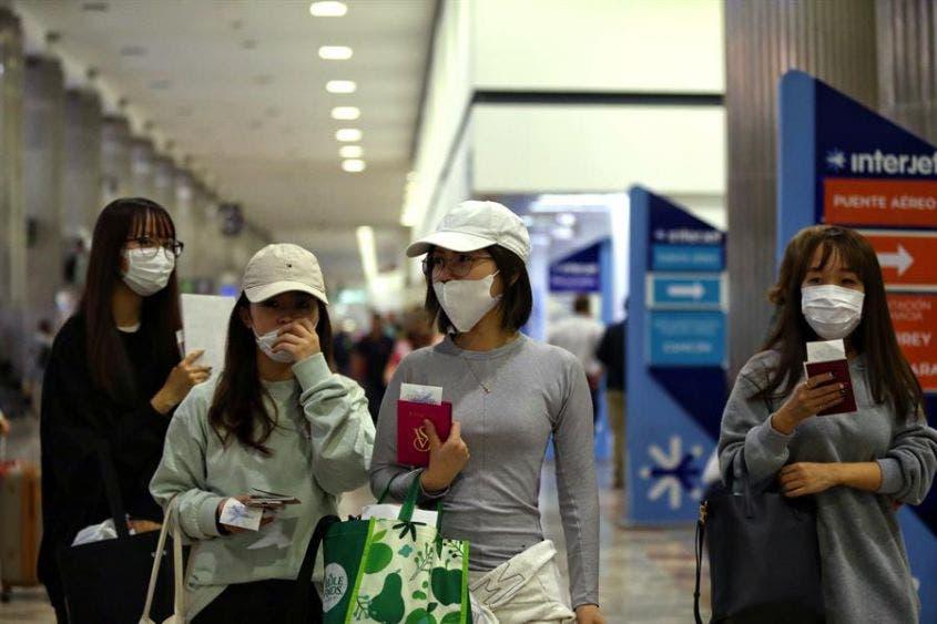 Coronavirus llega a Los Ángeles, con pasajero procedente de México