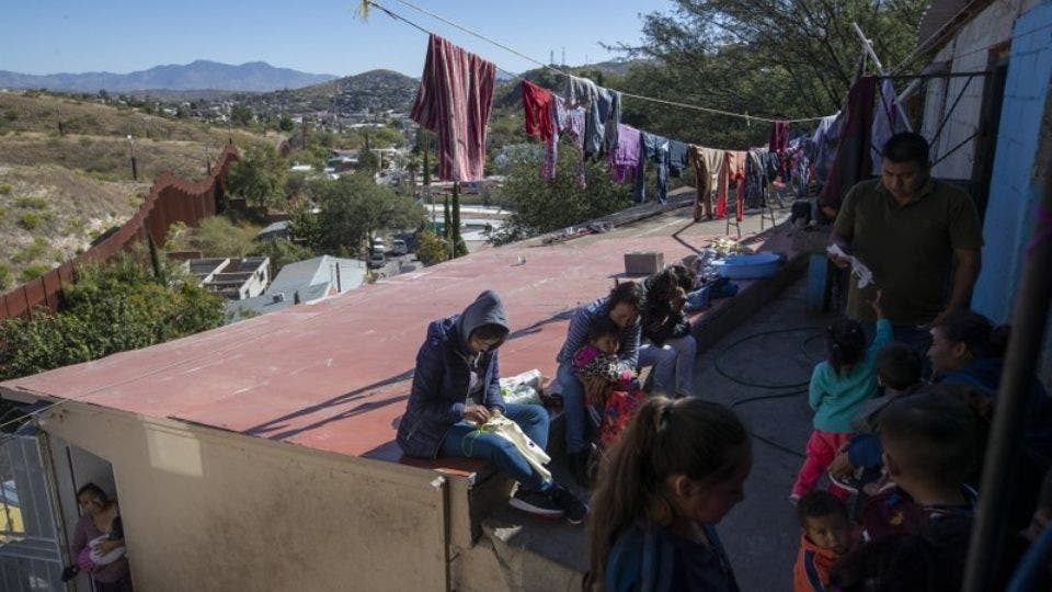 Planea EU deportar a mexicanos a Guatemala