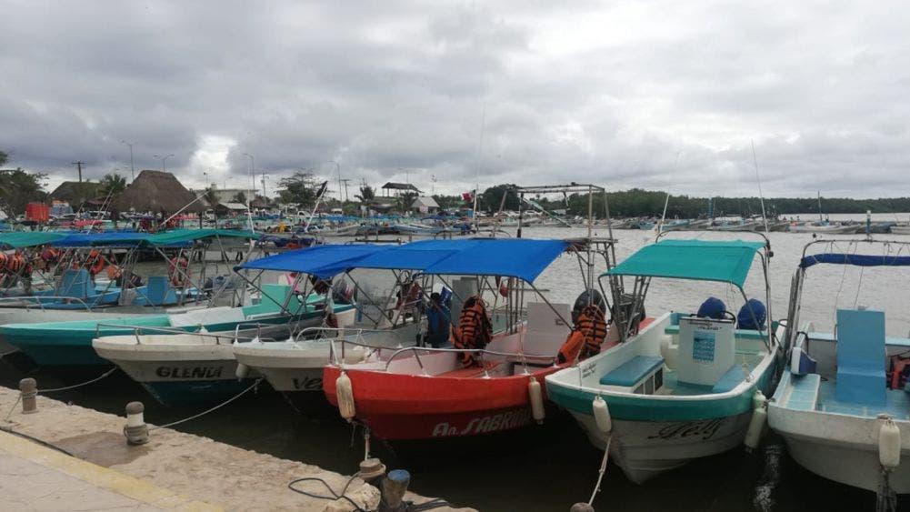 Cierran puerto a la navegación por fuertes vientos