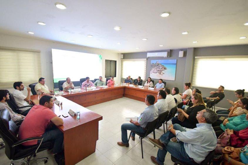 El alcalde Víctor Mas Tah, encabezó la Sesión Ordinaria del Comité de Apoyo al Censo