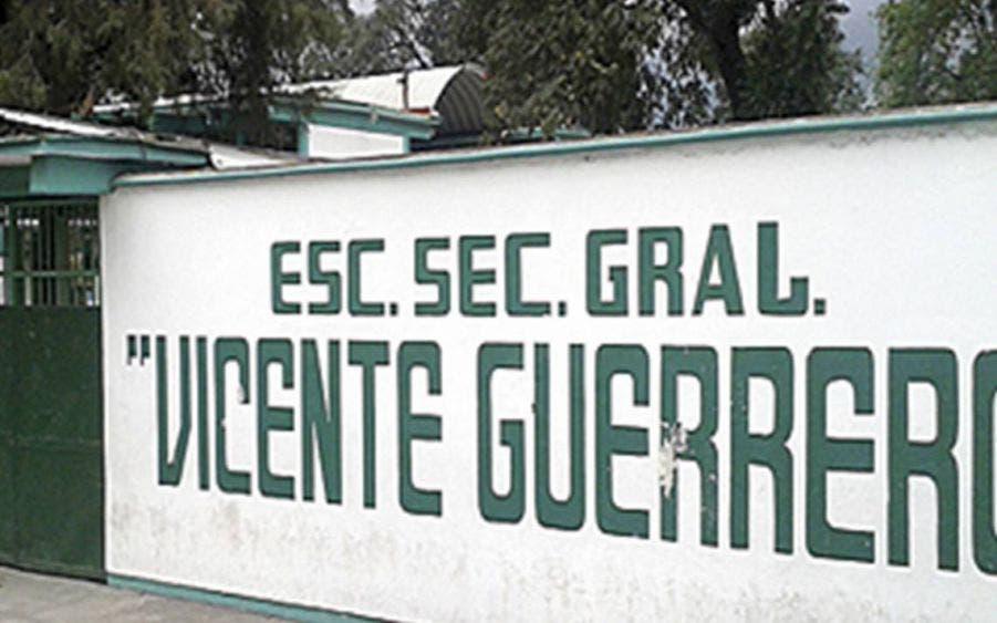 Denuncia madre que maestros en Veracruz hacen 'orgiexámenes'