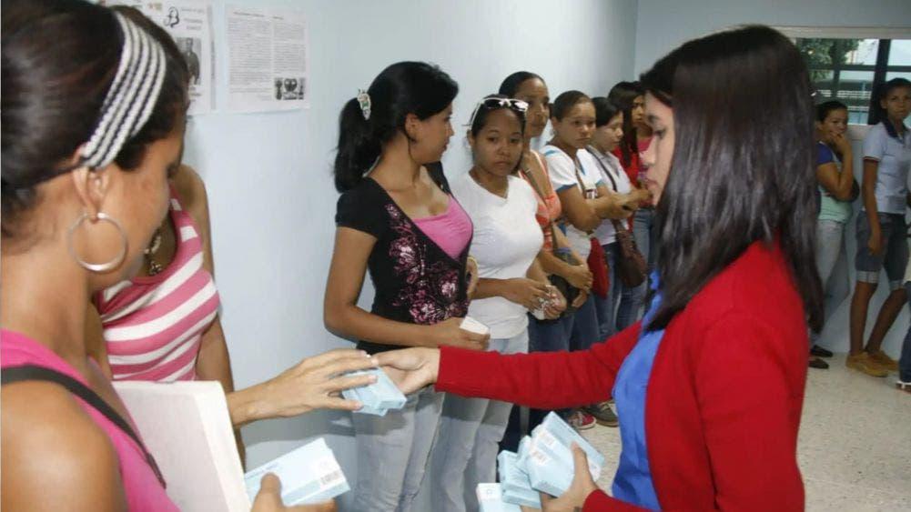 Firma Sesa Quintana Roo convenio con IMSS e ISSSTE