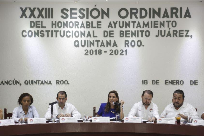 """""""Hay una necesidad de alumbrado público de la ciudad. Hoy tenemos que darle una solución y hay una opción para atender varias zonas en las cuales viven seres humanos que nos piden todos los días que iluminemos su vida"""", Mara Lezama, Presidente Municipal de Benito Juárez."""