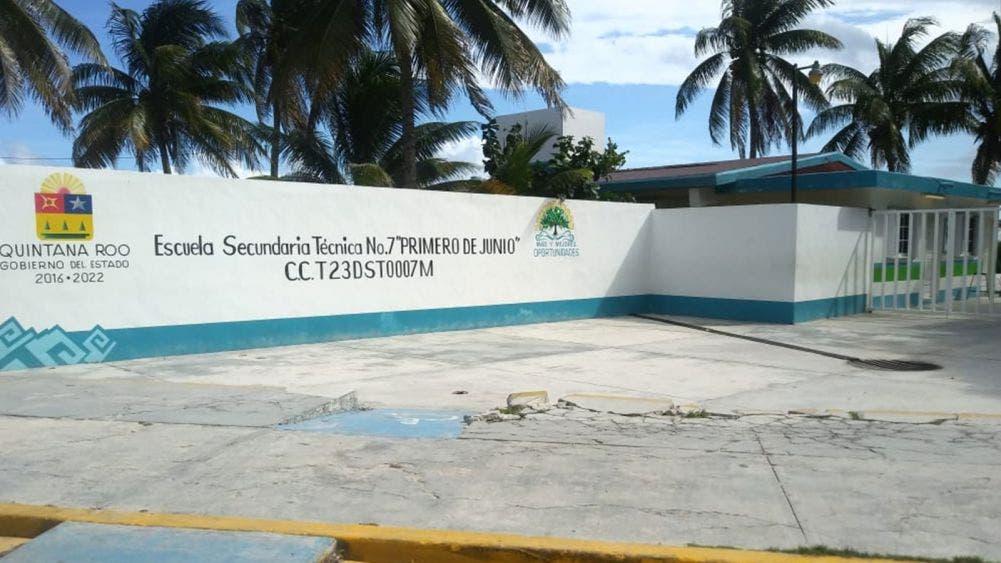 Buscan poner 'escudo' contra actos de cutting en Secundaria de Puerto Morelos
