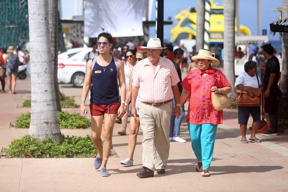 Pedro Joaquín atribuye el éxito del 2019 a factores como la consolidación de la isla como el destino turístico más seguro de Quintana Roo y haber sido de los menos afectados por los recales de sargazo, ya que el 99 por ciento de las zonas que visitan los turistas estuvieron libres del alga marina