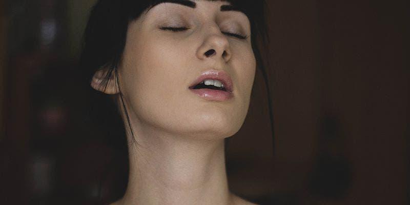 Iglesia aconseja que el sexo es mejor si la mujer duerme una siesta antes