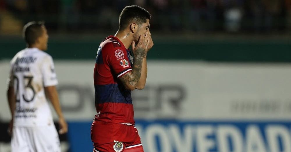 Comunicado Oficial: Víctor Guzmán está fuera de Chivas