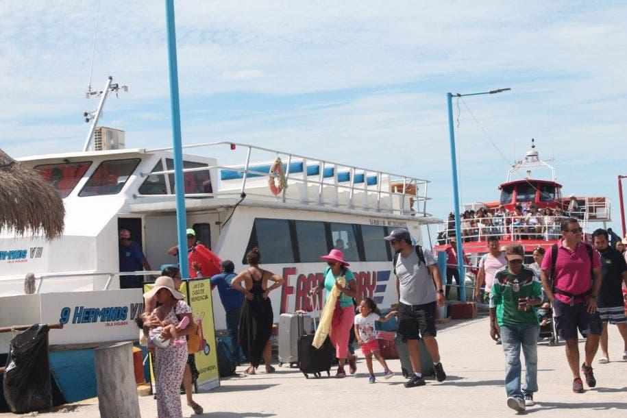 Fuera de control el problema de la basura en isla Holbox; el problema se acrecienta con el arribo masivo de turistas.