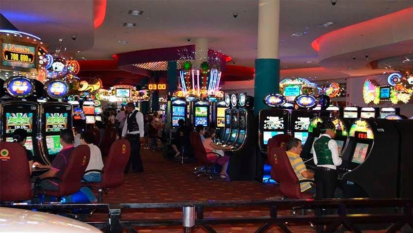 Rechazan empresarios de Q. Roo exención de impuestos a casinos.