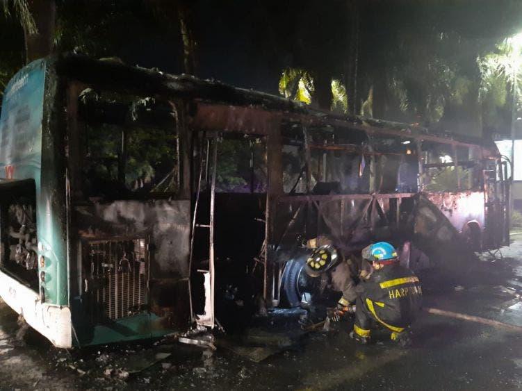 El siniestro ocurrió alrededor de las 11 de la noche de ayer en el bulevar Kukulcán, a la altura del kilómetro 0+500.