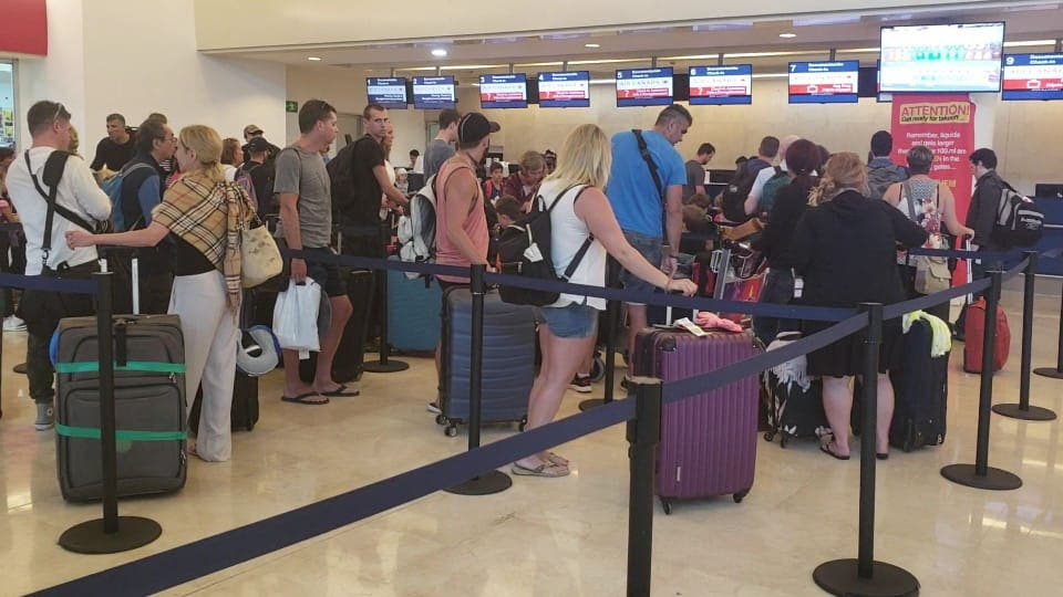 Aeropuerto de Cancún en riesgo por Coronavirus