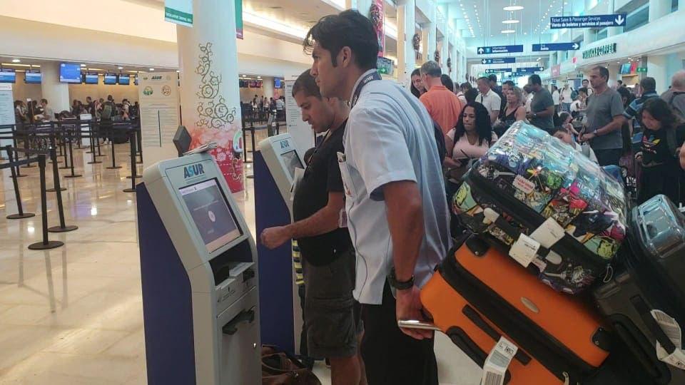 Aeropuerto de Cancún en riesgo por Coronavirus; se mantienen los protocolos de vigilancia, dice la Secretaría de Salud.