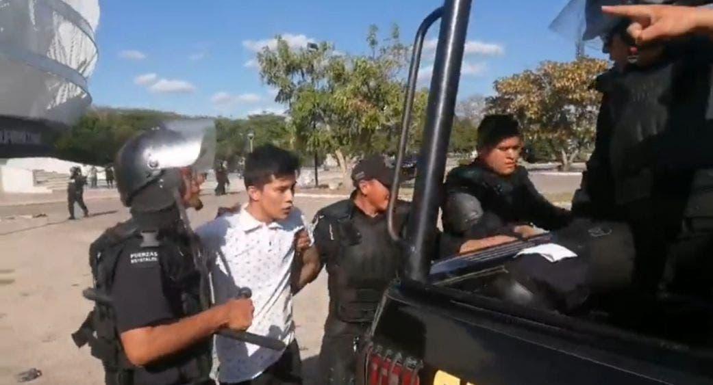 Termina a golpes asamblea de 'Fuerza Social por México' en Yucatán.