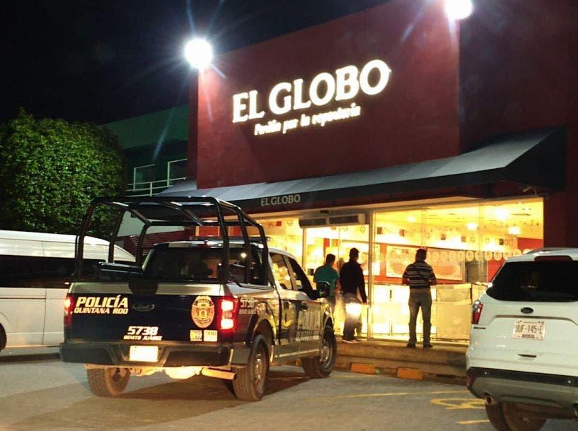 """Asaltan con violencia panadería """"El Globo"""" de Cancún"""