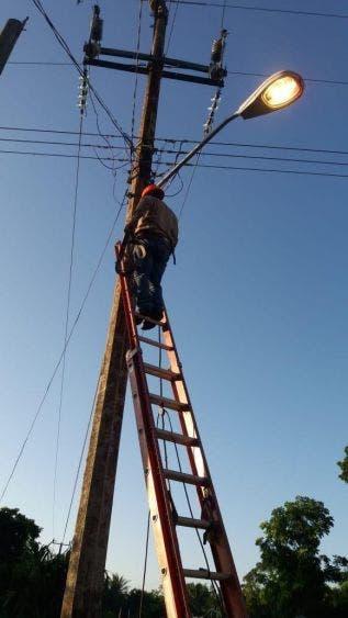 Inició el cambio de luminarias en Felipe Carrillo Puerto