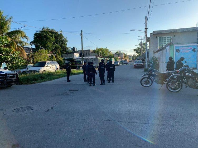 Balean a mujer policía en Cancún