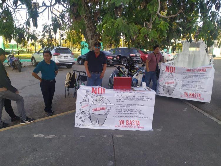 Se manifiestan en Cozumel contra el reemplacamiento