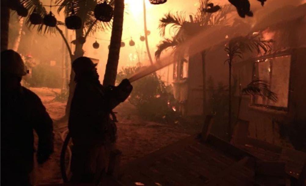 Se quema hotel de la costera de Tulum