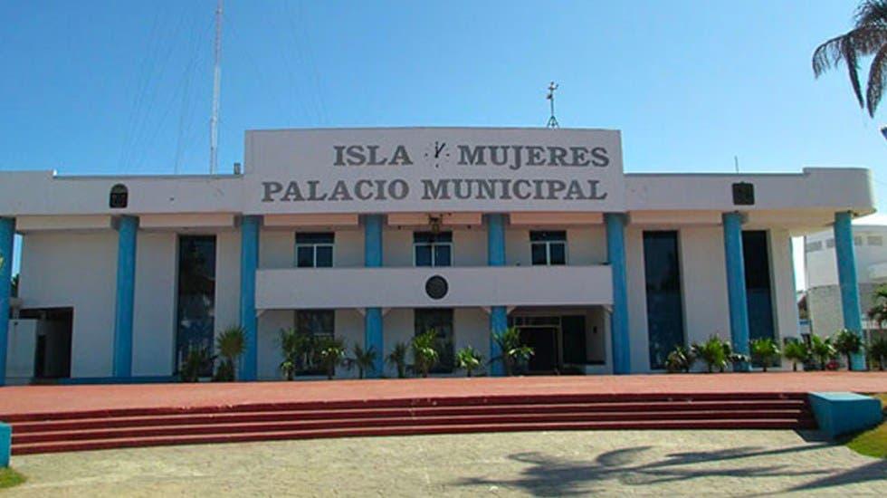 No cumple Isla Mujeres con la Transparencia.