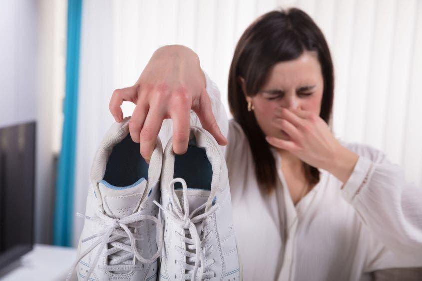 ¡No pases vergüenzas! Acaba con el mal olor de tus pies.