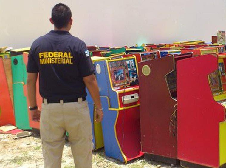 Aseguran minicasinos en Motul y Valladolid
