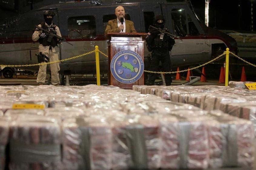 Logra Costa Rica histórico decomiso de cocaína cinco toneladas de cocaína pretendían ser trasegados en un contenedor con destino a Holanda