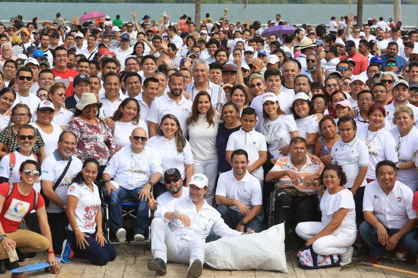 """""""El objetivo es que se abrieran las vialidades, que pudieran venir los niños, niñas, adolescentes y adultos mayores; queremos pedirles que lo cuiden y no se ensucie, que vengan a disfrutar de este paisaje"""", Mara Lezama, Presidente Municipal de Benito Juárez."""