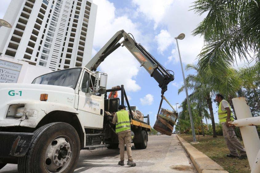 13 dependencias y coordinaciones participaron en la limpieza, 260 toneladas de residuos se retiraron, 561 trabajadores de Servicios Públicos, 5,430 metros de vialidades por limpiar